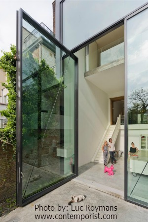 world's largest pivoting glass doors